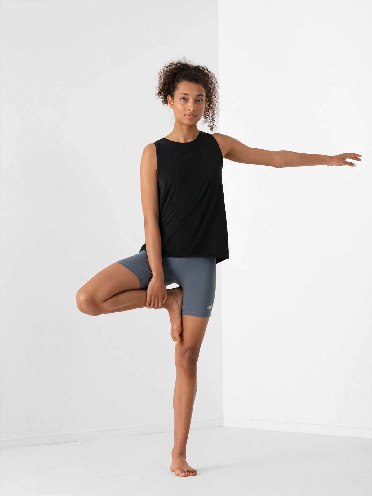 Koszulka bez rekawów damska do jogi