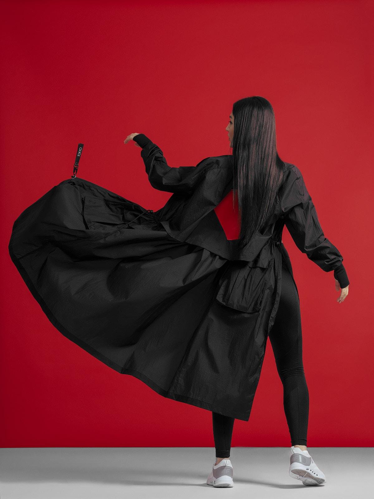 Płaszcz damski oversize z kolekcji kibica FROM PAST TO FUTURE